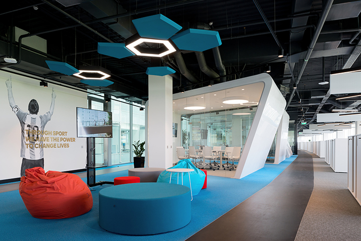 Adidas Group - Гран-При Best Office Awards